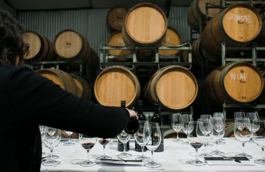 Het verschil tussen een sommelier, een vinoloog en een oenoloog